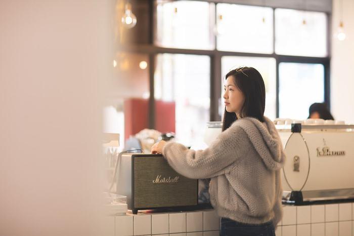 喝咖啡的美女3.jpg
